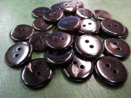 567SM タイラギ貝 20mm 厚約2.5mm 2穴 25円(税込)
